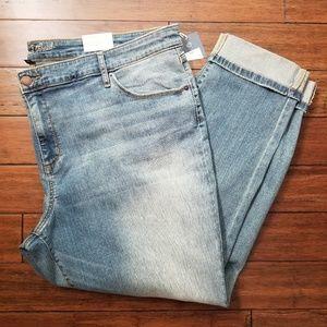 Universal Thread Distressed Light Wash Skinny Jean